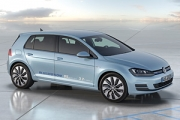 Premieră la Paris: Volkswagen Golf BlueMotion Concept