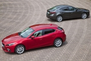 Noua Mazda3 - sedan versus hatchback