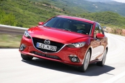 Două noi succese pentru Mazda3: finala World Car of the Year şi Red Dot Award