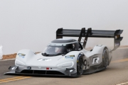 Electrocarul Volkswagen I.D. R Pikes Peak a stabilit recordul absolut pe traseul Pikes Peak