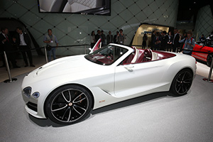 GENEVA 2017: Bentley a dezvăluit decapotabila electrică EXP 12 Speed 6e Concept (Video)