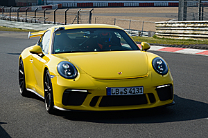 Noul Porsche 911 GT3 facelift este cel mai rapid 911 de pe Nurburgring! (Video)