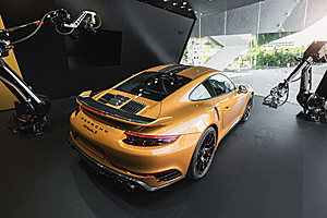 Iată cum este produs cel mai exclusivist Porsche 911 Turbo S Exclusive Series! (Video)