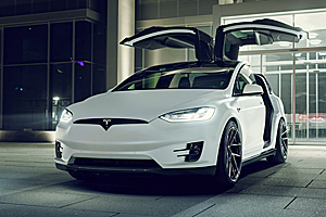 Novitec modifică Tesla Model X (Video)