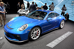 FRANKFURT 2017 LIVE: Noul Porsche 911 GT3 Touring Package este dedicat puriștilor! (Video)