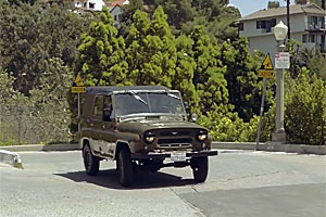 VIDEO: Americanii testează un UAZ!