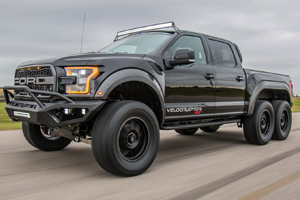 Hennessey VelociRaptor 6x6 - agresivitate pură pe 6 roţi! (Video)