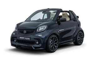 Sunseeker a prezentat ediţia limitată One of Ten a compactei Smart Brabus Ultimate 125!