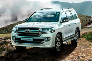 Toyota Land Cruiser 200 primește o nouă versiune de lux de top Executive Lounge