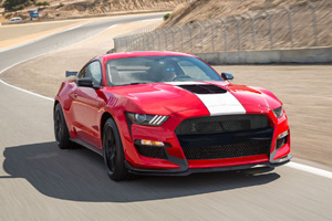 Noul Ford Mustang Shelby GT 500 deconspirat?