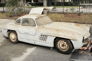Un Mercedes-Benz 300SL Gullwing din 1954 descoperit într-un garaj din Florida