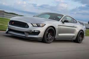 Ford a actualizat coupe-ul de circuit Mustang Shelby GT350R cu benzinar V8 aspirat natural