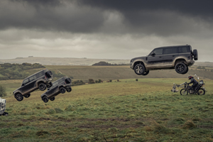 (VIDEO) Land Rover se dă în spectacol pe platoul de filmare James Bond: No Time To Die
